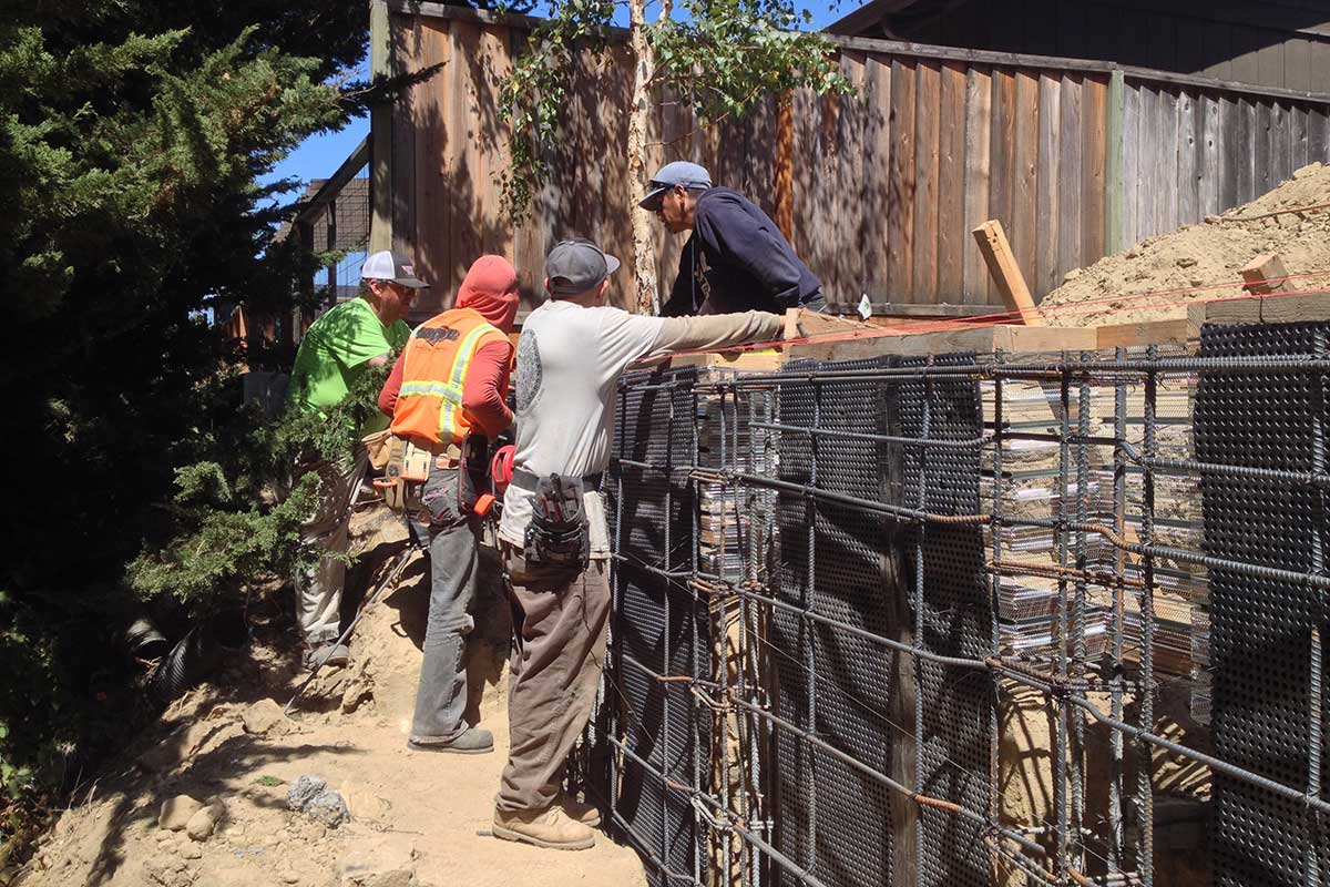 Tieing Reinforcement for Concrete Pier Supported Shotcrete Wall